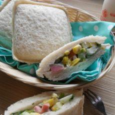 蔬菜沙拉三明治