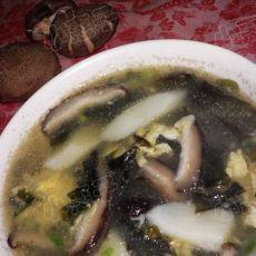 山药香菇海木耳汤