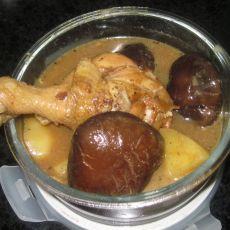 土豆香菇鸡腿汤