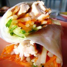 越南米纸卷煎鸡肉杂蔬