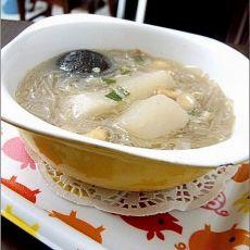 萝卜筒骨粉条汤
