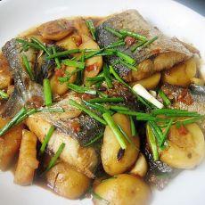 [原创首发]土豆烧咸马鲛鱼-首发
