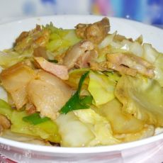 葱香咸肉手撕包菜