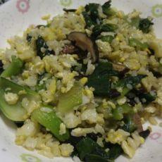 青菜香菇蛋炒饭的做法