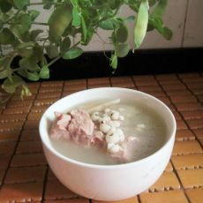 淮山薏米猪骨汤的做法