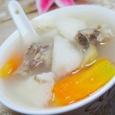 胡萝卜淮山猪骨汤的做法