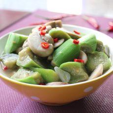 丝瓜炒口蘑