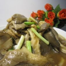蘑菇炒青蒜的做法