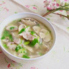 蘑菇肉片汤的做法
