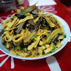 蘑菇炒豆腐皮