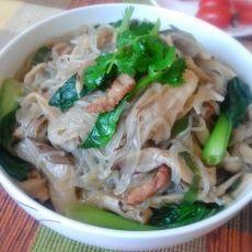 蘑菇粉条炖猪肉