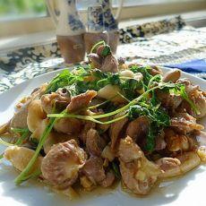 鸡肾炒蘑菇