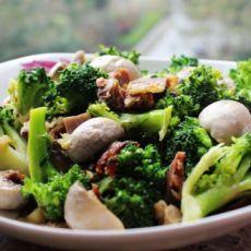腊肉炒蘑菇西兰花