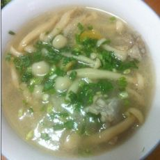 蘑菇龙骨汤
