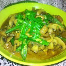 蘑菇炖肉的做法