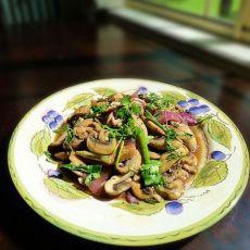 黑椒鸡肉片蘑菇