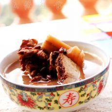 赤小豆鲮鱼煲粉葛汤