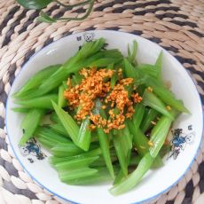 姜末拌芹菜