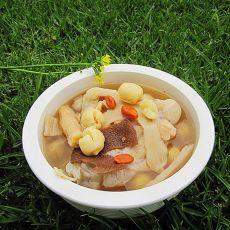 莲子百合煲鳄鱼汤的做法