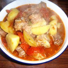 牛肉烩西红柿土豆