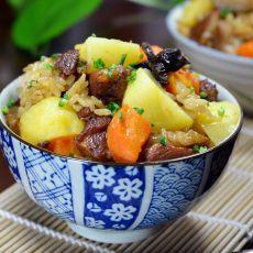 洋芋猪肉焖饭的做法