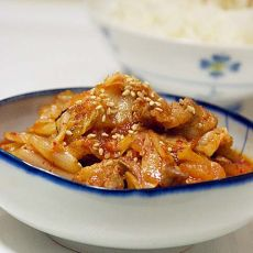 辣白菜炒肉的做法