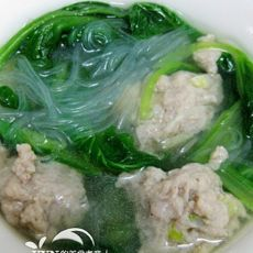 小白菜粉丝汆丸子汤