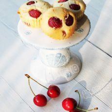 樱桃小蛋糕