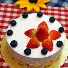 蓝莓草莓慕斯蛋糕