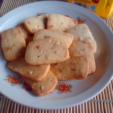 方块花生饼干