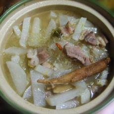 砂锅羊肉炖白萝卜