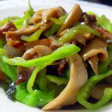 五花肉炒鸡腿菇