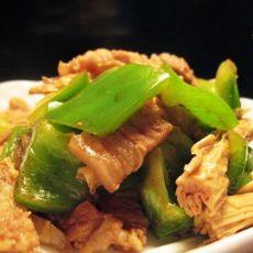 青椒肉片炒腐竹的做法