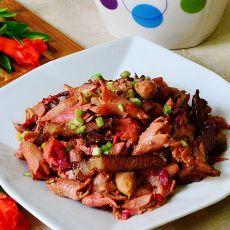 石榴花炒腊肉
