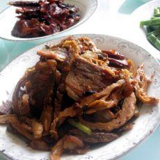 老姐千里迢迢带来的南昌特产-腊肉炒笋尖