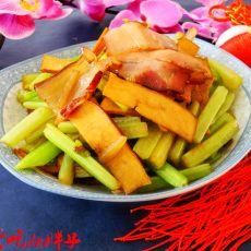 西芹豆干炒腊肉的做法