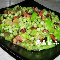腊肉烩豌豆的做法