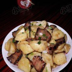 腊肉烧土豆的做法