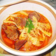 竹笋炖腊肉的做法