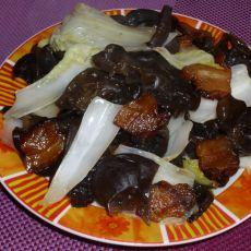 木耳白菜心炒腊肉