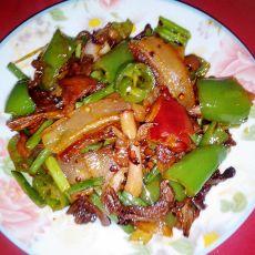 青椒杂菇炒腊肉