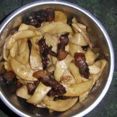 杏鲍菇烩腊肉的做法