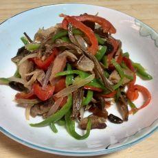茶树菇炒腊肉丁