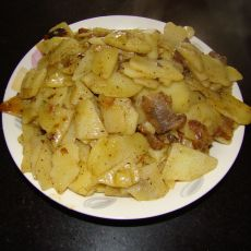 腊肉炒土豆片的做法