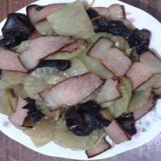 腊肉木耳炒莴笋