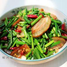 腊肉炒韭菜苔