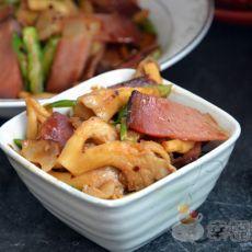 烟熏腊肉炒平菇