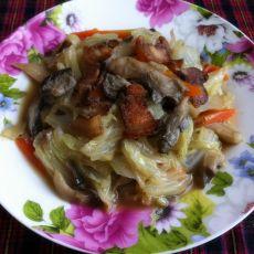 白菜鸡腿菇炒腊肉