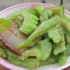 青椒腊肉炒苦瓜