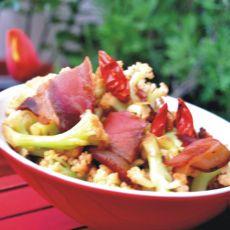 腊肉炒有机花菜